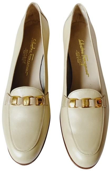 Item - Cream / Ivory Loafer Flats Size US 11 Narrow (Aa, N)
