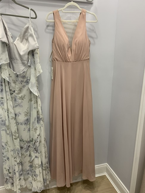 Item - Whipped Apricot Formal Bridesmaid/Mob Dress Size 6 (S)