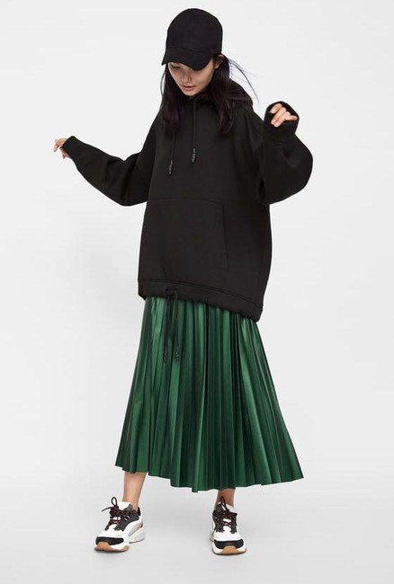 Zara Green Faux Leather Pleated High S New Skirt Size 4 (S, 27) Zara Green Faux Leather Pleated High S New Skirt Size 4 (S, 27) Image 4