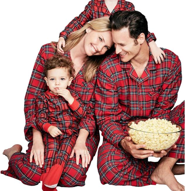 Item - Red Black Family Pjs Holiday Plaid 2 Pajama Sets Long Night Out Dress Size 10 (M)