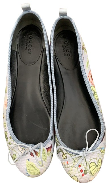 Item - Blue Background with Flowers 381154 Flats Size EU 38.5 (Approx. US 8.5) Regular (M, B)