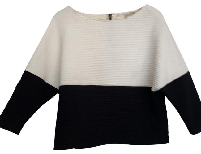 Item - Black and Creme Horizontal Quilted Sweatshirt/Hoodie Size 8 (M)