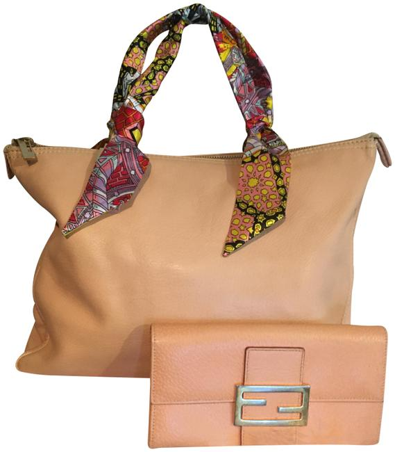 Item - Medium with Wallet Peach Lambskin Leather Tote