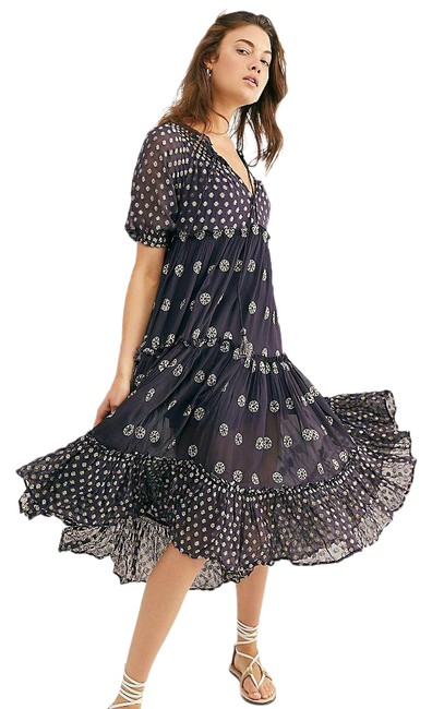 Item - Stella Sparkly Medallion Print Tiered Flowy S Mid-length Casual Maxi Dress Size 6 (S)