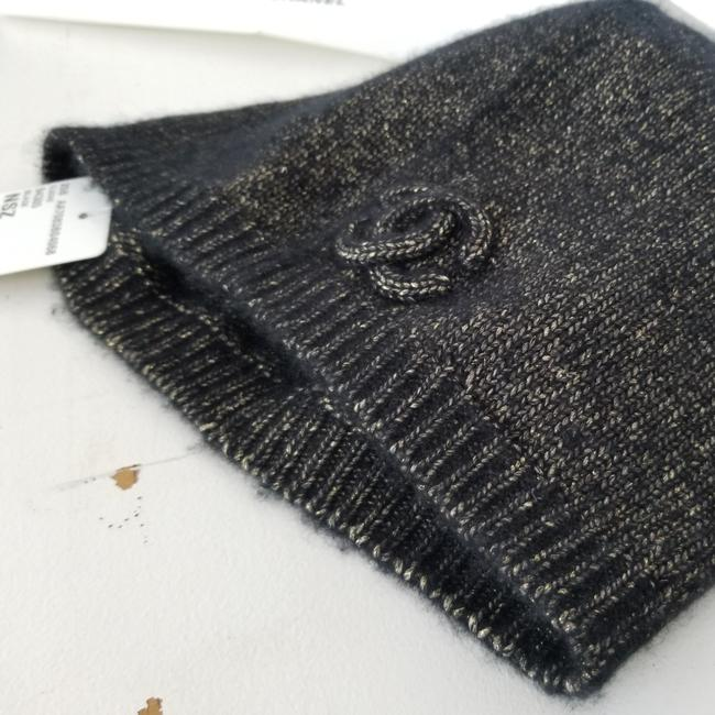 Item - Black and Gold Cashmere Blend. Fabric 46% Cashmere 40% Polyanide 14% Polyester Beanie Hat