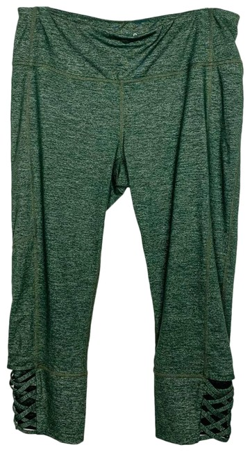 Item - Green Mind Over Matter Capri Activewear Bottoms Size 12 (L, 32, 33)