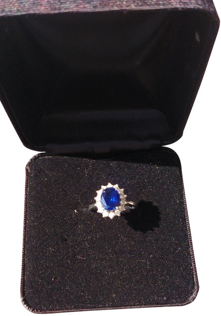 Item - Blue Silver Classic Halo Sapphire Ring