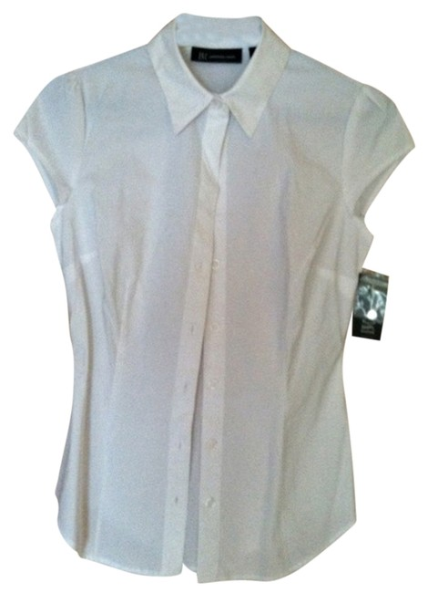 Preload https://img-static.tradesy.com/item/2881684/inc-international-concepts-white-blouse-size-0-xs-0-0-650-650.jpg