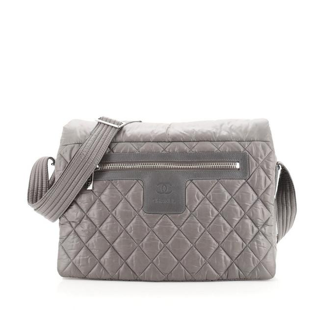 Item - Cocoon Coco Quilted Large Gray Nylon Messenger Bag