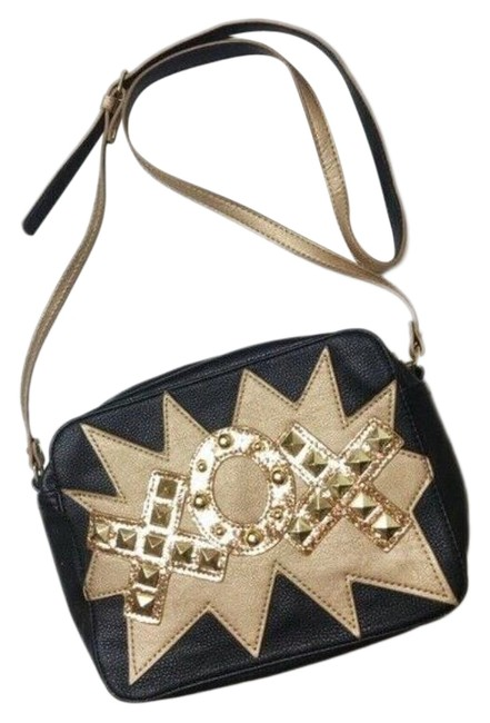 Item - Faux Leather Cross Body Bag