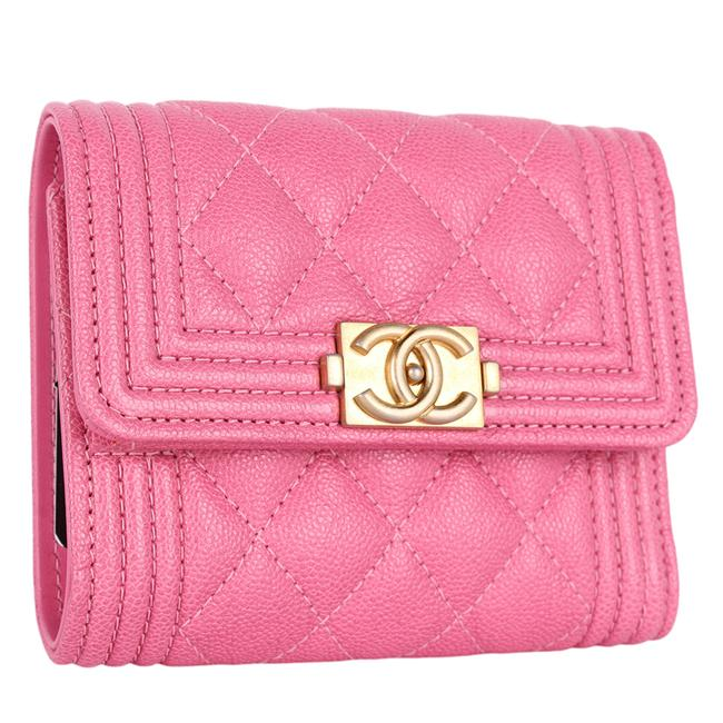 Item - Pink Trifold Flap Quilted Caviar Compact New 9436 Wallet