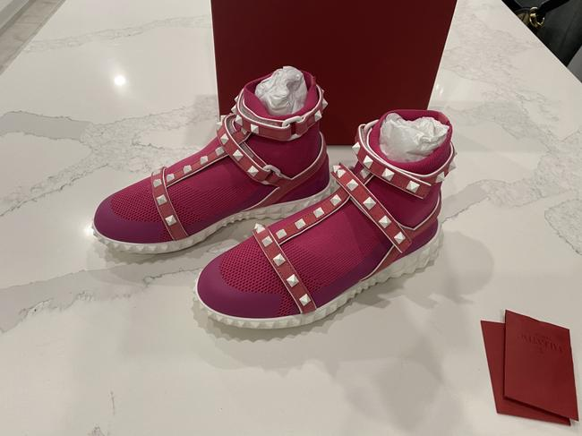 Item - Pink Rockstud Body-tech High-top Trainers Retail Sneakers Size US 6 Regular (M, B)