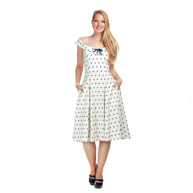 Item - White Virginia Polka Dot Swing Mid-length Short Casual Dress Size 0 (XS)