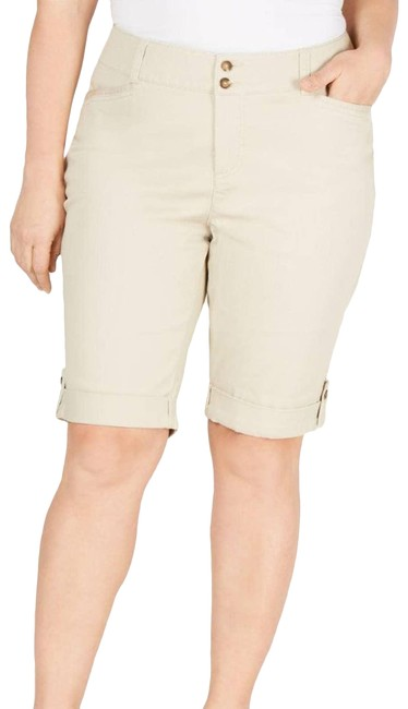 Item - Cream Chino Shorts Size 4 (S, 27)