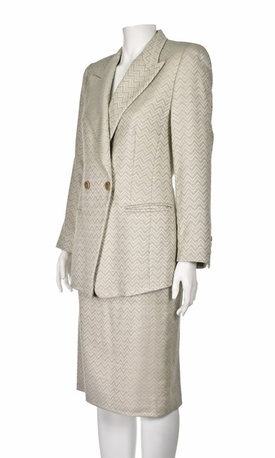Item - Ivory & Gray Cintage Silk and Wool Blend Chevron Pattern Skirt Suit Size 8 (M)