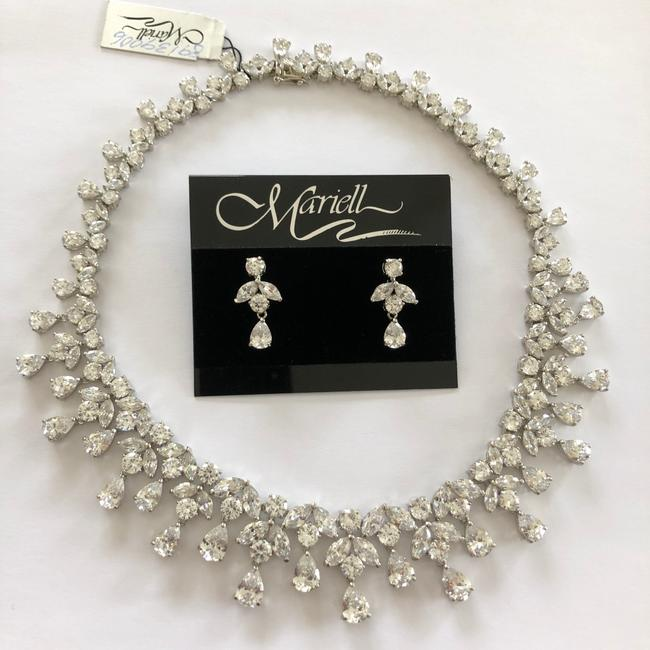 Item - Silver Spectacular Cubic Zirconia Pageant Statement Necklace Necklace and Matching Earring Jewelry Set