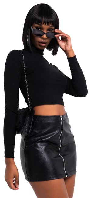 Item - Black Every Day On The Run Long Sleeve Collared Crop Blouse Size 8 (M)