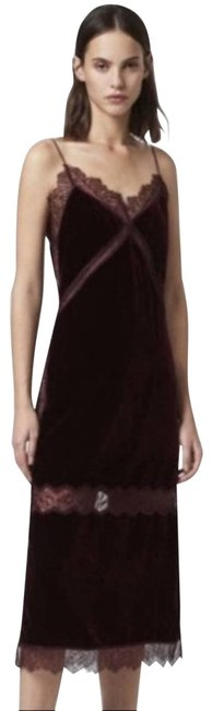 Item - Burgundy Lace-trimmed Long Velvet Mid-length Casual Maxi Dress Size 00 (XXS)