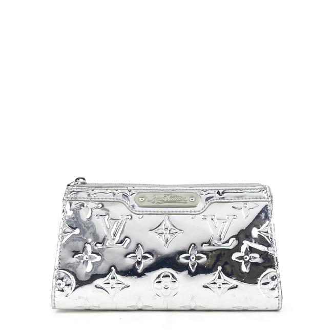 Item - Cosmetic Case Trousse Miroir Silver Patent Leather Clutch