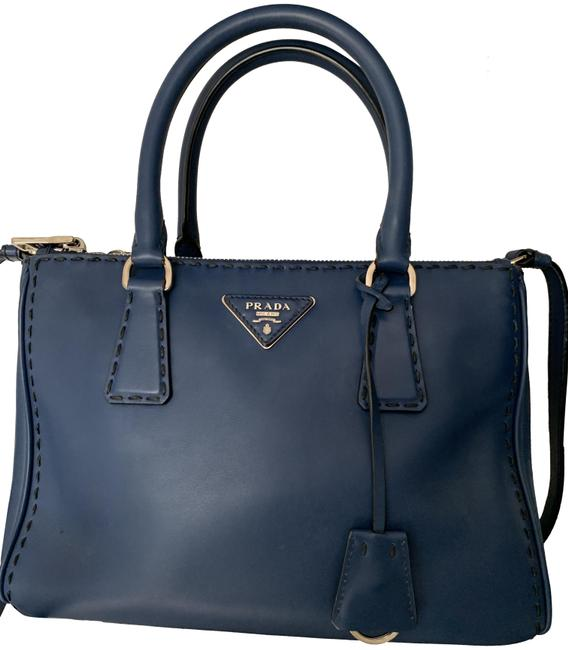 Item - City Navy Lambskin Leather Cross Body Bag