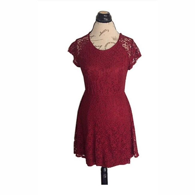 Item - Red None Short Casual Dress Size 8 (M)