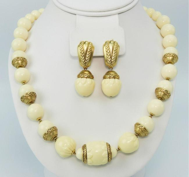 Item - Ivory & Gold Vintage Necklace and Earring Jewelry Set