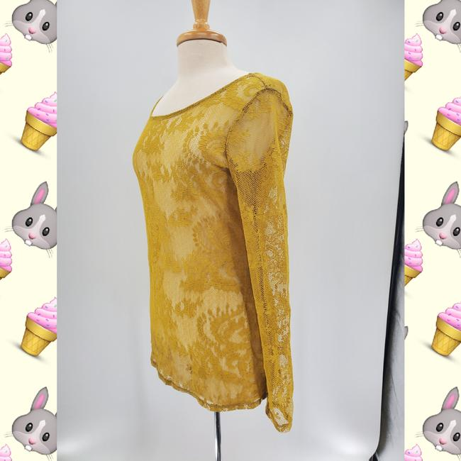 Item - Mustard Yellow Lace Long-sleeve Blouse Size 12 (L)