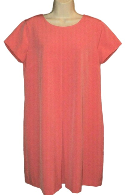 Item - Melon Salmon Inverted Front Pleat Lined Short Sleeves Knee Length Mid-length Work/Office Dress Size 10 (M)