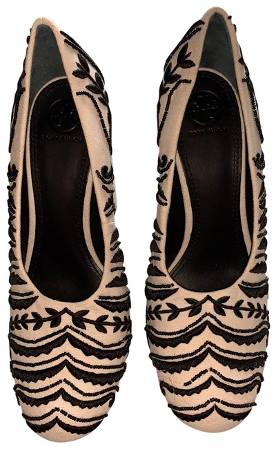 Item - Ivory and Black Embroidered Slip On Beaded Pumps Size US 9.5 Regular (M, B)