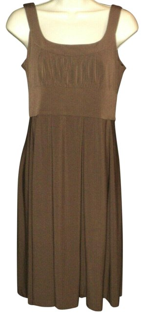 Item - Brown Knee-length Square Neckline Ruched Bodice Sleeveless Mid-length Cocktail Dress Size 6 (S)