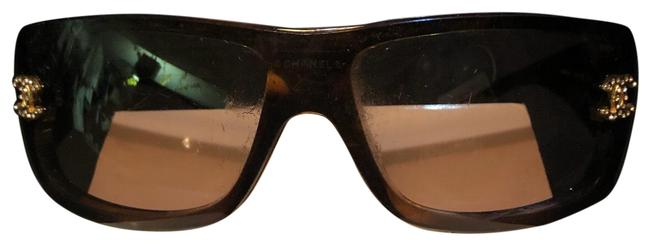 Item - Brown Turtle Shell Sunglasses