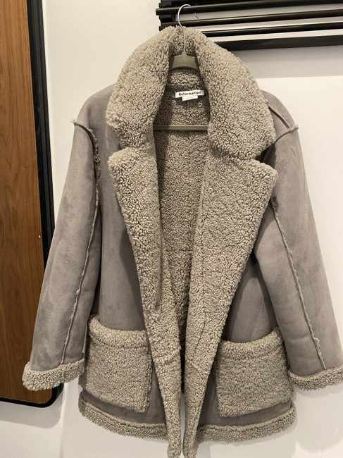 Item - Gray Teddy Coat Size 4 (S)