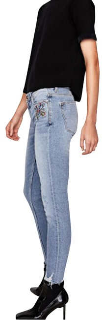 Item - Blue Medium Wash Floral Embroidered Ankle 2 Capri/Cropped Jeans Size 26 (2, XS)