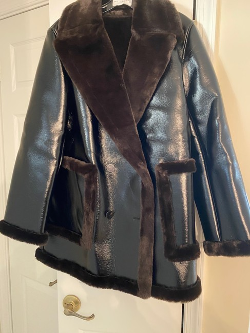 Theory Espresso W Patent Faux-leather Peacoat W/ Bonded Faux Shearling Jacket Size 8 (M) Theory Espresso W Patent Faux-leather Peacoat W/ Bonded Faux Shearling Jacket Size 8 (M) Image 4