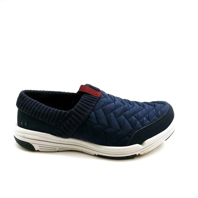 Item - Blue Womens Aspen Water Repellent Slip On Quilted Navy Blaser Sneakers Size US 6.5 Wide (C, D)