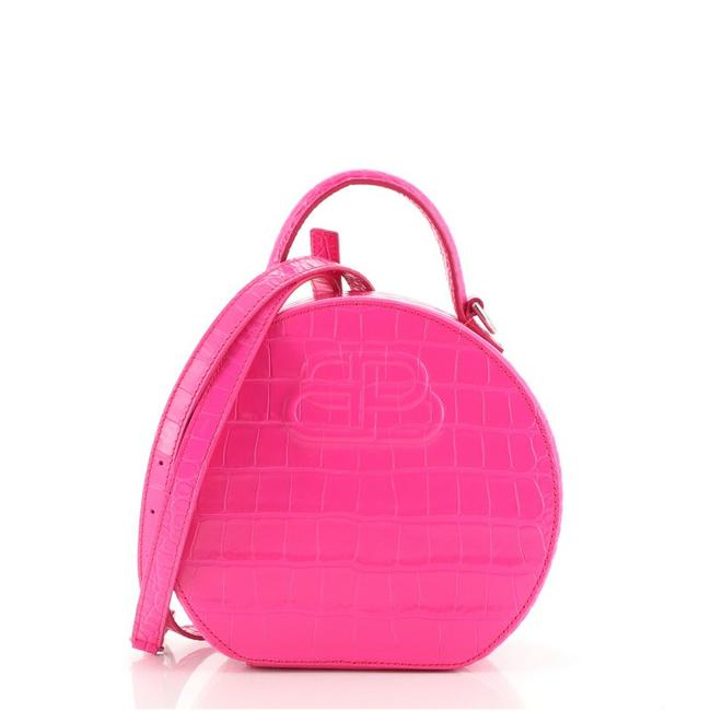 Item - Round XS Vanity Crocodile Embossed Pink Leather Cross Body Bag