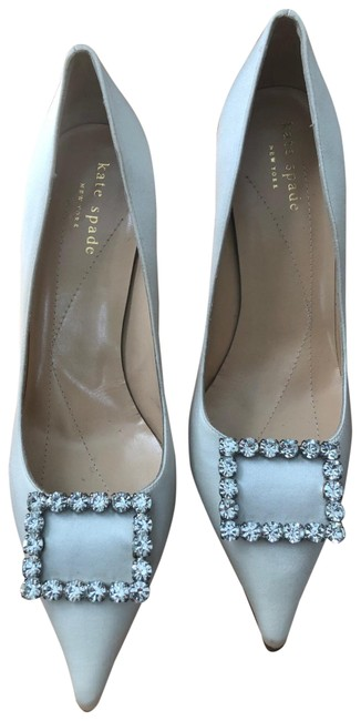 Item - Ivory With Crystal Buckle Pumps Size US 7 Regular (M, B)