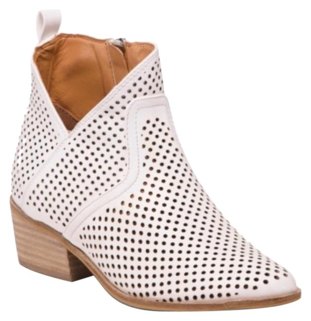 Item - White Ryleigh Boots/Booties Size US 6 Regular (M, B)