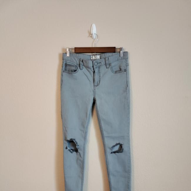 Item - Gray Distressed Skinny Jeans Size 27 (4, S)