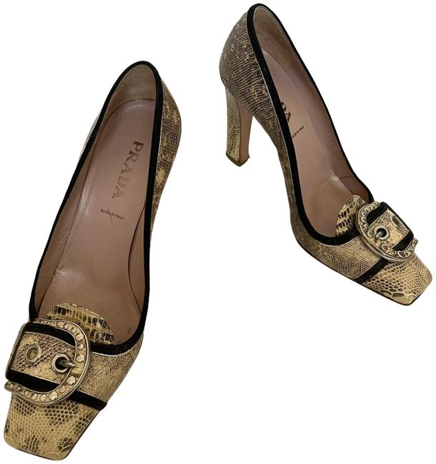 Item - Cream Snake Skin Print Leather Pumps Size EU 37 (Approx. US 7) Regular (M, B)