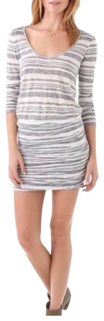Item - Grey White Soft Loganberry Paintey Striped Short Casual Dress Size 6 (S)