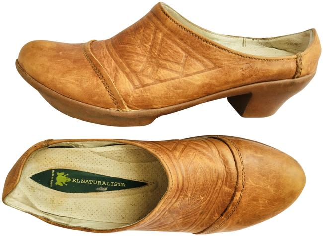 Item - Brown Embossed Leather Mules/Slides Size EU 40 (Approx. US 10) Regular (M, B)