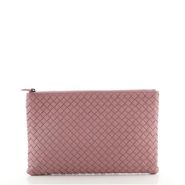 Item - Zip Pouch Intrecciato Nappa Large Pink Leather Clutch