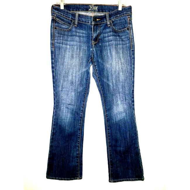 Item - Blue Medium Wash The Diva Womens Denim Fade 6 Short 567 Straight Leg Jeans Size 29 (6, M)