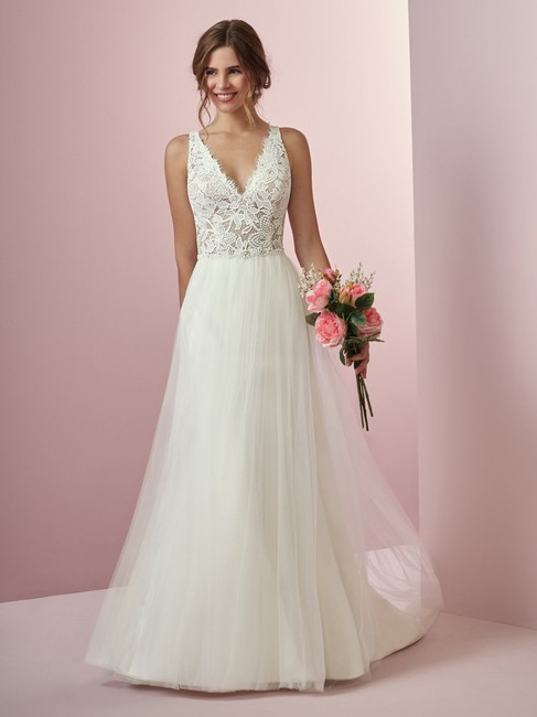 Item - Ivory Over Nude Lace/Tulle Connie By Formal Wedding Dress Size 12 (L)