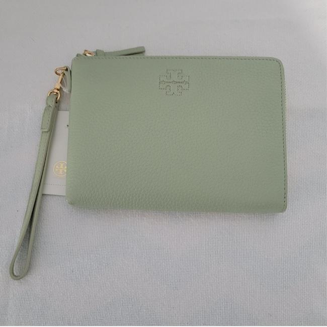 Item - Thea 'theater Large Zip Pouch Green Leather Wristlet