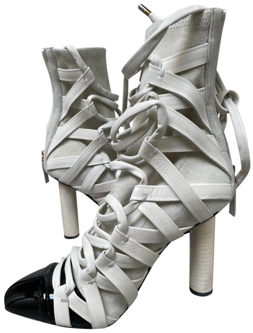 Item - White Lace Up Chunky Boots/Booties Size EU 38.5 (Approx. US 8.5) Regular (M, B)
