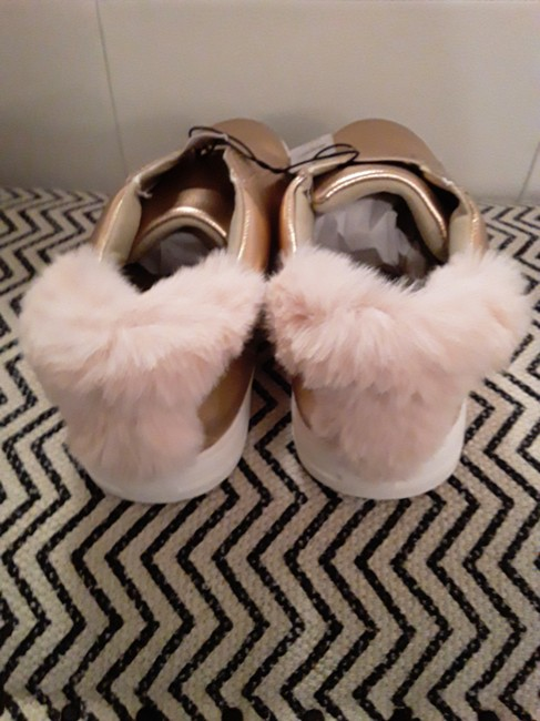 New York & Company Rose Gold Shimmer and Fur Sneakers Size US 8 Regular (M, B) New York & Company Rose Gold Shimmer and Fur Sneakers Size US 8 Regular (M, B) Image 2