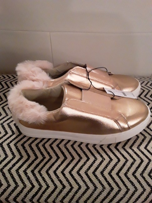New York & Company Rose Gold Shimmer and Fur Sneakers Size US 8 Regular (M, B) New York & Company Rose Gold Shimmer and Fur Sneakers Size US 8 Regular (M, B) Image 5