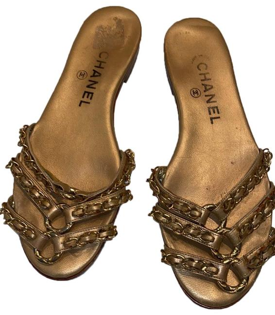 Chanel Gold Leather Sandals Size EU 35.5 (Approx. US 5.5) Narrow (Aa, N) Chanel Gold Leather Sandals Size EU 35.5 (Approx. US 5.5) Narrow (Aa, N) Image 1